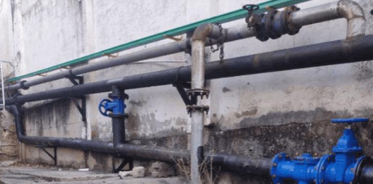 泸州白酒产业园区雨污管网工程雨污管网主排水管道分为雨水和污水两部分。污水干管共计约3300m,其中管径DN355的加压污水管1576m
